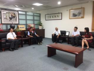 江惠民檢察長拜會林明溱縣長談杜絕毒品進校園。