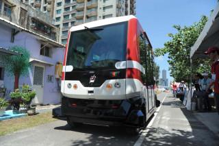台北市政府與喜門史塔雷克(7 STARLAKE)合作,將於8月1日~8月5日每日凌晨1時~凌晨4時,在台北市信義路四段公車專用道(復興南路─敦化南路段),進行自動駕駛小巴士EZ10行駛測試。(圖/資料照片,記者何沛霖攝)