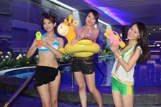 兆品酒店回饋地方推出「比基尼夏水99元」活動。(記者許素蘭/攝)