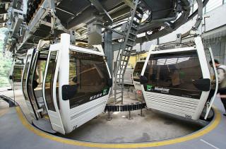 台北捷運公司表示,貓空纜車將自6月13日(週二)起至7月1日(週六)止,進行為期19天年度檢修暫停營運,預定7月2日(週日)恢復營運。(圖/Wikipedia)