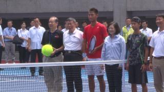 總統視察內湖網球中心 為選手加油打氣