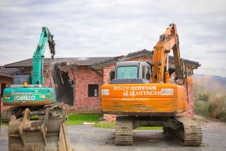 宜蘭縣政府又強制拆除違規農舍。(圖/宜蘭縣政府提供)