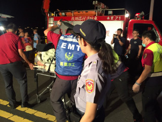 集集分局員警機警發現婦人墜落攔河堰及時救回ㄧ命。