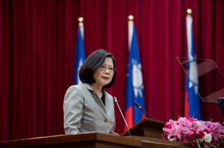 美國宣布對台軍售,總統蔡英文表示,政府積極推動國防改革,更讓全世界看到,台灣絕對有自我防衛的決心跟能力,並對美方軍售台灣表達感謝。(圖/資料照片)