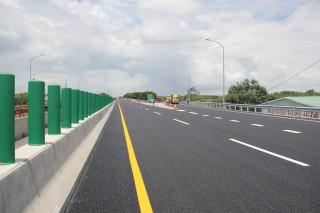 公路總局第五區養護工程處台82線30~32K路面加高改善工程完工全面開放通車