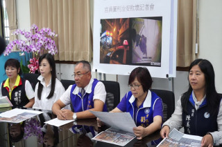 桃園市一天之內驚爆官員涉貪及4死槍擊案,國民黨團議員籲請市長鄭文燦坐鎮市府不要再趴趴走。