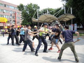 防犯發生集体幫派械鬥事件 田中警局舉行「快速打擊犯罪部隊」演練