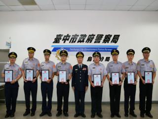 烏日分局長林文貴頒警察奨章。林重鎣攝