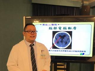 郭綜合醫院神經外科李柏萱醫師。