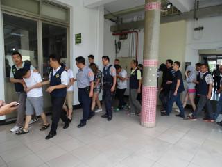 楊梅分局破獲主嫌陳○安(男、30歲)所組織之販毒集團,一舉拘捕共犯9人到案。