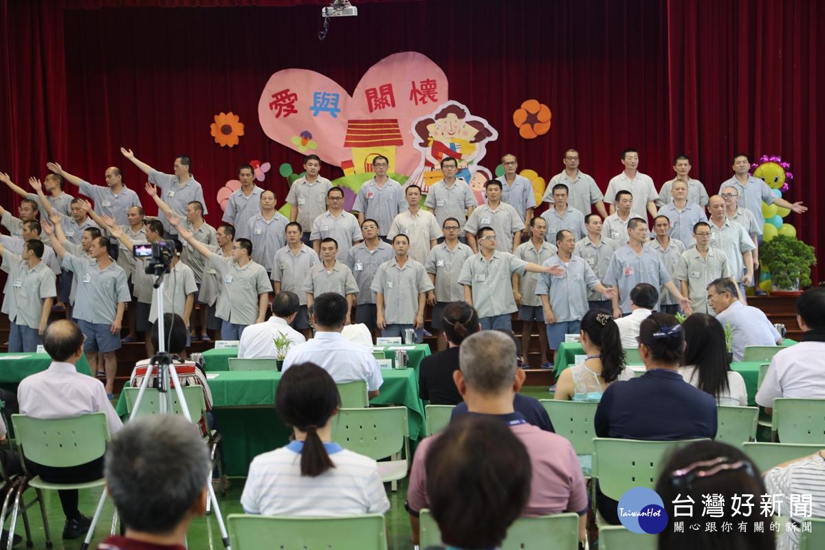 「棄暗投明」 台塑董事長赴雲林二監鼓勵受刑人