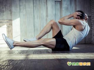 椎間盤突出引腰痛 常健身竟是好發族群