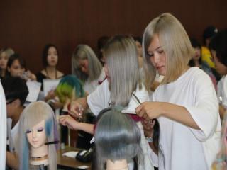 第67屆日本藝術國際競賽台灣區初賽,在弘光科技大學舉行,全國大  專校院16所、100多位的好手競藝,希望爭取冠軍代表台灣到日本出 賽。(記者陳榮昌攝)