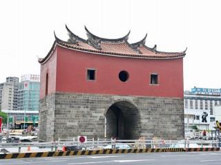 為響應北門景觀廣場即將啟用,台北市商業處於今年7月29日規劃「街拍小旅行 -- 北門商圈體驗遊程」。(圖/台北市政府提供)