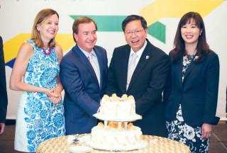 桃園市長鄭文燦率市府團隊,在加州橘郡出席「2017桃園市加州友好交流聯合晚宴」。