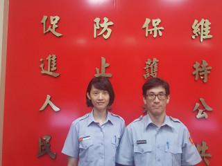 正妹實習生林芸蔓( 左)和張貴程破竊盜案。林重鎣攝