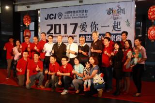 南投青商邀請原聲合唱團於文化局演出。(記者扶小萍攝)