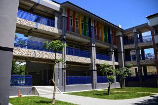 鳥松仁美國小校舍改建工程已經取得使用執照。(圖/記者郭文君攝)