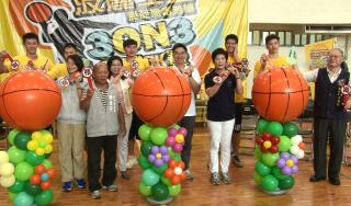暑假生活不留白 籃球PK揮灑汗水