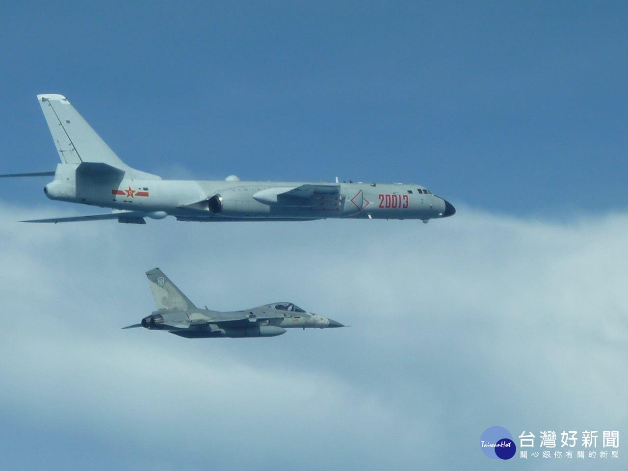 中國又派轟六、運八軍機繞台一圈 我公布IDF戰機伴飛監控照