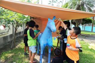 校園變成小型動物園 興華國小夏日樂學彩妝學生搞創意