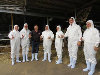 桃園市長鄭文燦前往楊梅區,參訪「楊梅常青種牛場」。