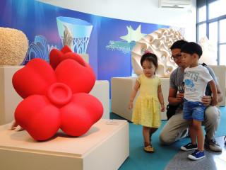 陶博館三鶯藝術村現正展出兒童陶瓷展,相當適合全家大小一同前來。(圖/記者黃村杉攝)