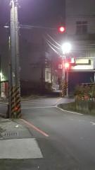 高雄市政府交通局在高雄市容易發生肇事的非號誌化路口設置「太陽能警示設施」,讓用路人及附近的市民住家都有安全的交通環境。(圖/記者何沛霖攝)