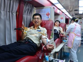 苗縣辦暑期捐血活動 替代役捲袖獻愛心