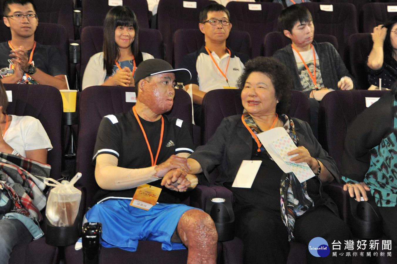 「光的印記」首映 陳菊: