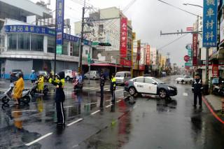 北台南永康區永大路一帶交通管制和疏導。(警方提供)