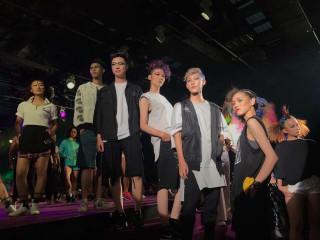 弘光科大團隊參加美髮比賽的學生,總共拿下二個冠軍、二個亞軍、  一個季軍、六個優異獎,選手將代表台灣參加世界決賽。(記者陳榮昌攝)