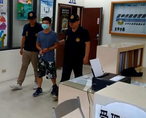 施俊鴻涉嫌殺人被移送。林重鎣攝