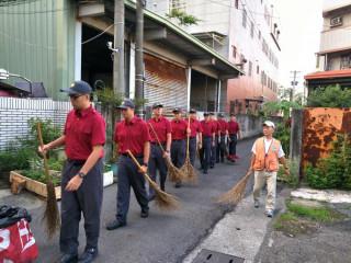 消防役男樂公益,社區服務送溫暖
