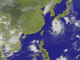天氣高溫炎熱 山區嚴防午後雷陣雨(圖/中央氣象局提供)
