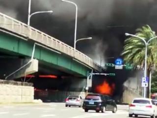 台4線10.5資源回收場火災  陸橋封閉車輛走替代道路