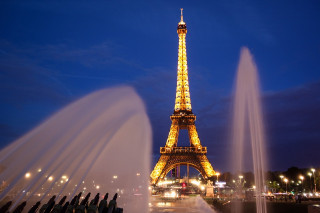 根據訂房網站Booking.com對25國的旅客調查指出,若只有24小時的國外旅遊時間,法國巴黎榮登快閃旅遊王首選,台灣人最愛的日本東京,則排名第4。(圖/Pixabay)