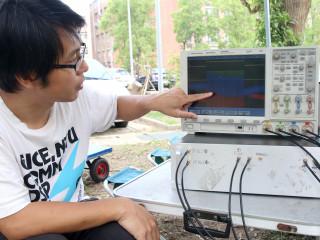 中正大學開發全台最小雷達系統,讓蜜蜂背著晶片飛可量測比雜訊小千倍訊號