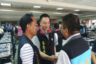 高思博全省走透透爭取競選連任國民黨中央委員,「被點名」下屆台南市長,他不否認,也不鬆口,還說下鄉聆聽基層意見是件很高興的事。