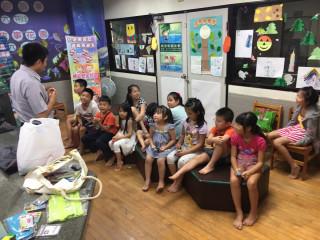 夏日避暑聽故事 波麗士教導如何避免意外發生