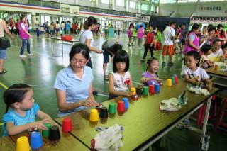 親子運動園遊會 大小朋友樂在遊戲中