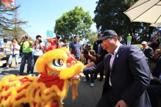 美國國際童玩節行銷台灣 霧峰光正國小醒獅戰鼓氣勢磅礡