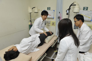 中醫師首次登上國際賽事守護世大運選手,緩解疲勞、改善運動傷害中醫有一套