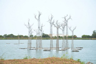 鄭文燦指出,桃園參考其他藝術節案例,用現代藝術的手法,帶動觀光人潮,也提高環境意識。