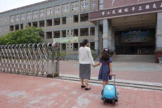 新生入學爸媽焦慮不安,臨床心理師陳可家建議調整作息降低對於環境改變的焦慮