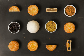 台南老爺行旅月光禮盒月餅照。