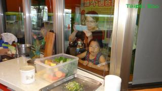動物園「御膳房」開張 目睹保育員為動物張羅餐點過程