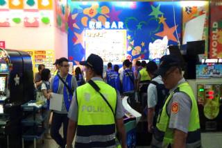 台南警方展現掃毒和維護治安決心,動用1123人次警方進到不良場所執行威力勤務。
