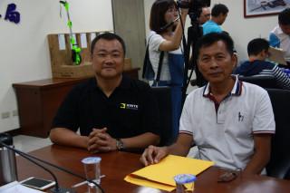 欣特董事長廖仁志(左)與康郁董事長王鴻輝出席道會安會。(記者扶小萍攝)