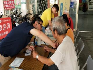 仁愛醫院在大里新仁社區服務。林重鎣攝